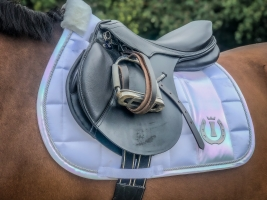 Imperial Riding IRH Ambient Pearl Shell Schabracke